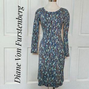 EUC ~ DIANE VON FURSTENBERG Long Sleeve Dress